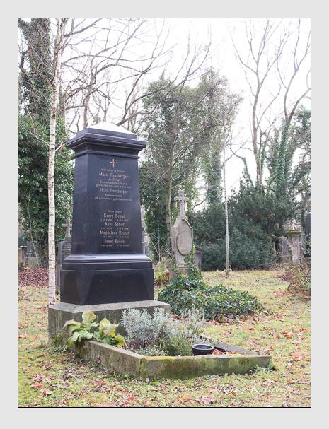 Grab der Familien Brunet & Pensberger & Schipf auf dem Alten Südfriedhof München (Dezember 2015)