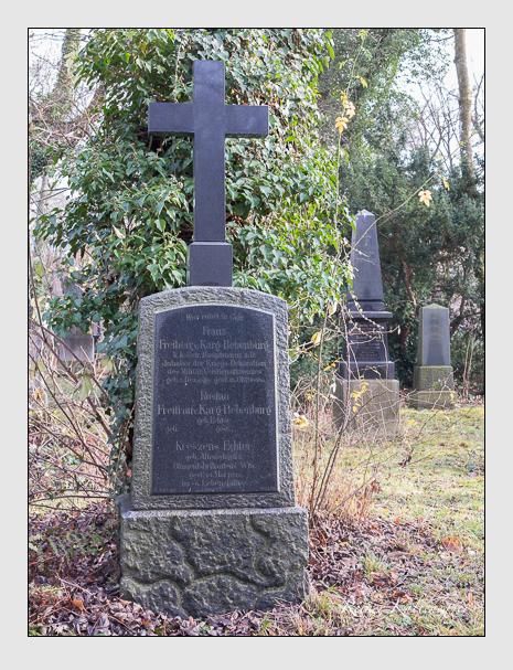 Grab der Familien Echter & Karg-Bebenburg auf dem Alten Südfriedhof München (Dezember 2015)