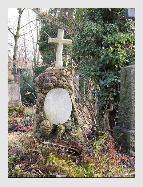 Grab der Familie Erlbeck auf dem Alten Südfriedhof München (Dezember 2015)