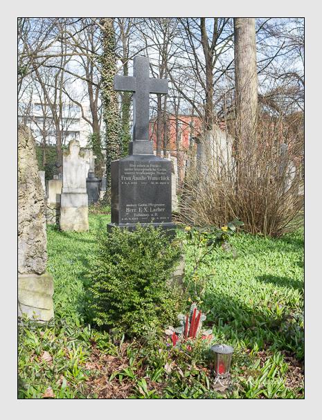 Grab der Familien Lacher · Wunschick auf dem Alten Südfriedhof München (März 2016)
