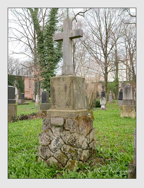 Grab der Familie Lindhuber auf dem Alten Südfriedhof München (März 2016)