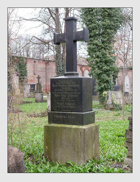 Grab der Familien Kirchberger & Schmidt & Schömmer auf dem Alten Südfriedhof München (März 2016)