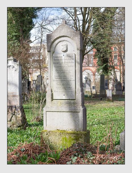 Grab der Familie Tautphöus auf dem Alten Südfriedhof München (März 2016)