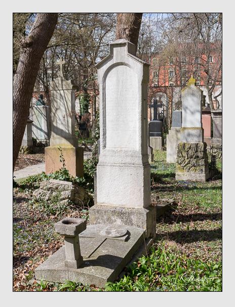 Grab der Familie Klein auf dem Alten Südfriedhof München (März 2016)