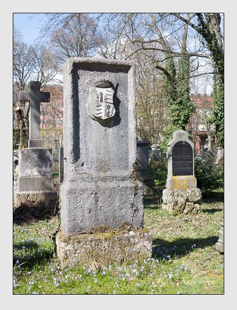 Grab der Familie Münster auf Raunungen und Kleineibstadt auf dem Alten Südfriedhof München (März 2016)