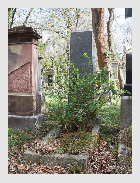 Grab der Familien Höckner & Liebl auf dem Alten Südfriedhof München (April 2016)