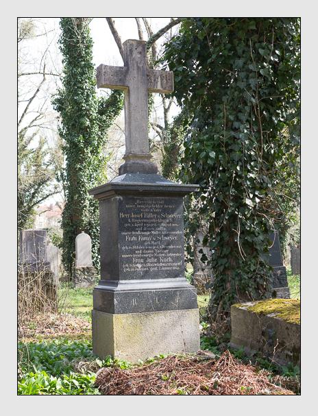 Grab der Familien Koch & Schweyer auf dem Alten Südfriedhof München (April 2016)