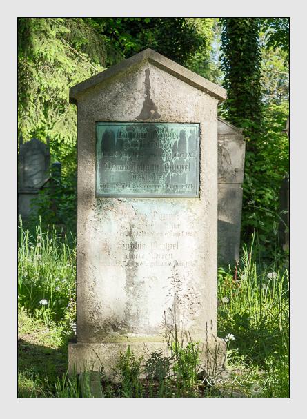 Grab der Familie Poppel auf dem Alten Südfriedhof München (Mai 2016)