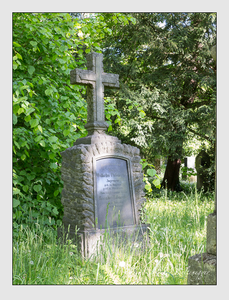 Grab der Familie Pössnecker auf dem Alten Südfriedhof München (Mai 2016)