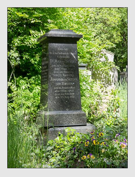 Grab der Familie Seydel auf dem Alten Südfriedhof München (Mai 2016)