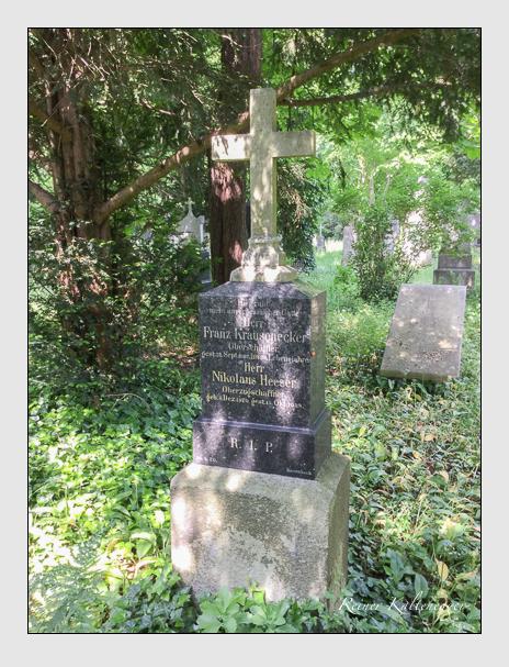 Grab der Familien Heeser & Krausenecker auf dem Alten Südfriedhof München (Mai 2016)