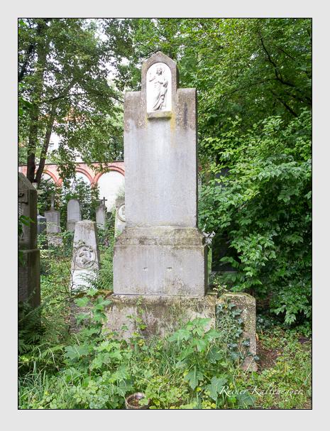 Grab der Familie Barbarino auf dem Alten Südfriedhof München (Juli 2016)