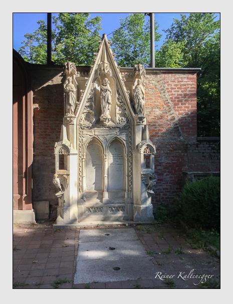 Grab der Familie Reininger auf dem Alten Südfriedhof München (Juli 2016)