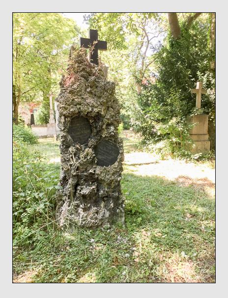 Grab der Familien Haf & Wittig auf dem Alten Südfriedhof München (Juli 2017)