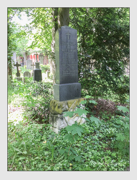 Grab der Familien Patzlperger & Triendl auf dem Alten Südfriedhof München (Dezember 2017)