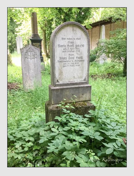 Grab der Familie Hartl auf dem Alten Südfriedhof München (Dezember 2017)