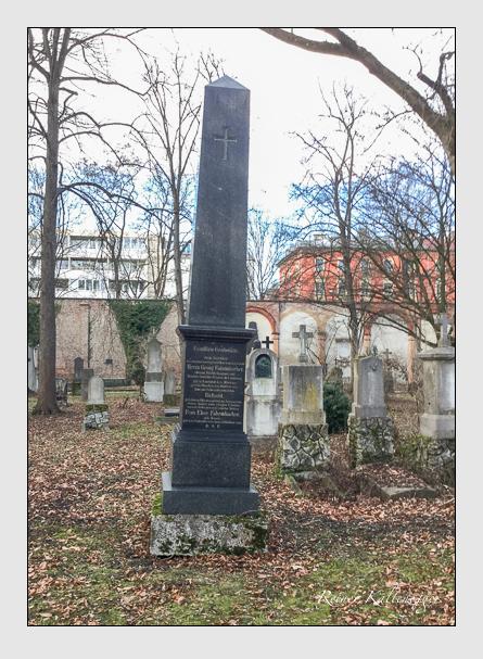 Grab der Familie Fahrmbacher auf dem Alten Südfriedhof München (Januar 2018)