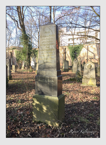 Grab der Familien Gothart & Schmidt & Schmidt-Skitt auf dem Alten Südfriedhof München (Januar 2018)