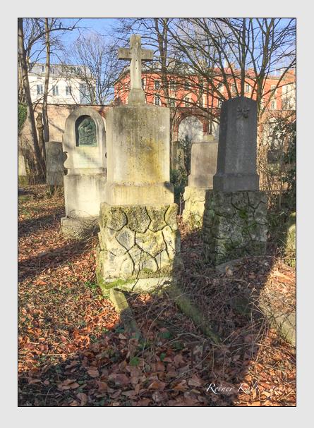 Grab der Familie Holzmannstetter auf dem Alten Südfriedhof München (Januar 2018)
