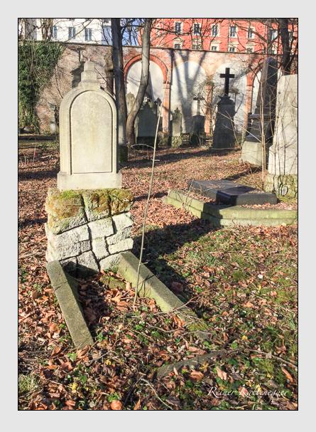 Grab der Familie Hutzler auf dem Alten Südfriedhof München (Januar 2018)