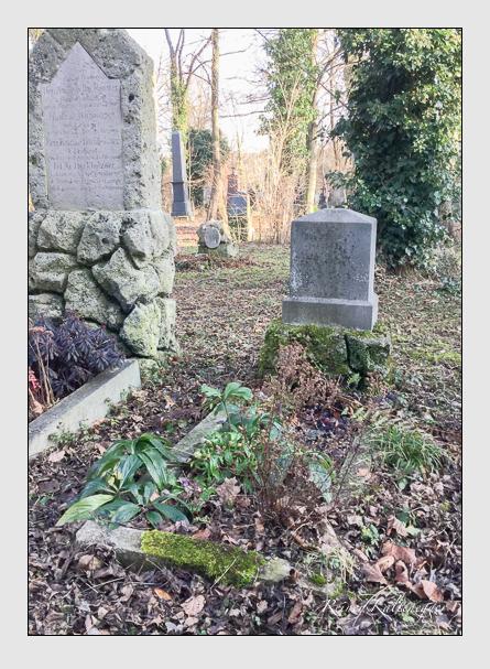 Grab der Familien Krug & Lutz auf dem Alten Südfriedhof München (Januar 2018)