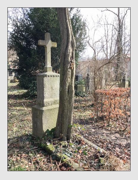 Grab der Familie Söltl auf dem Alten Südfriedhof München (März 2018)