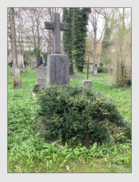 Grab der Familie Houssedy auf dem Alten Südfriedhof München (April 2018)