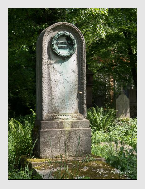 Grab der Familie Mehn auf dem Alten Südfriedhof München (Mai 2018)