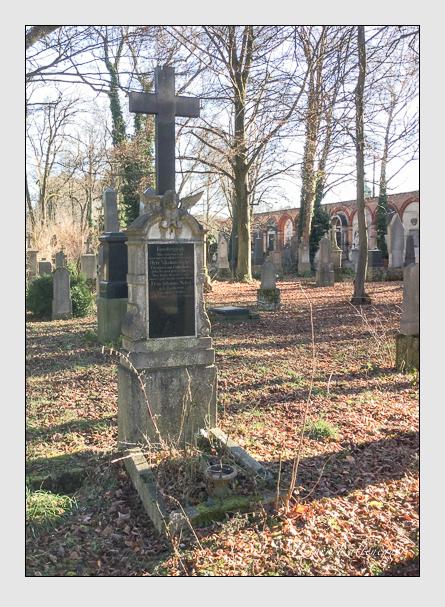Grab der Familien Schächtling & Weber auf dem Alten Südfriedhof München (Mai 2018)