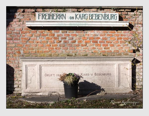 Grab der Familie Karg von Bebenburg auf dem Alten Südfriedhof München (März 2019)