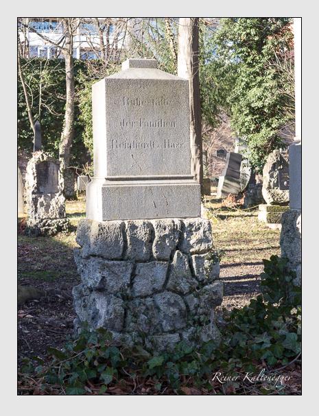 Grab der Familien Hass · Reinhardt auf dem Alten Südfriedhof München (Februar 2020)