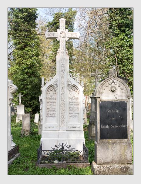 Grab der Familie Jacubezky auf dem Alten Südfriedhof München (April 2020)