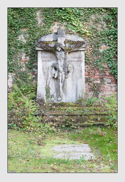 Grab der Familie Roth auf dem Alten Südfriedhof München (Januar 2007)