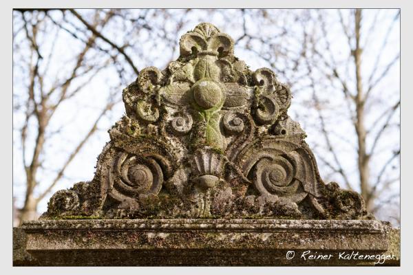 Grab der Familien Thiereck · Weiller auf dem Alten Südfriedhof München (Februar 2021)