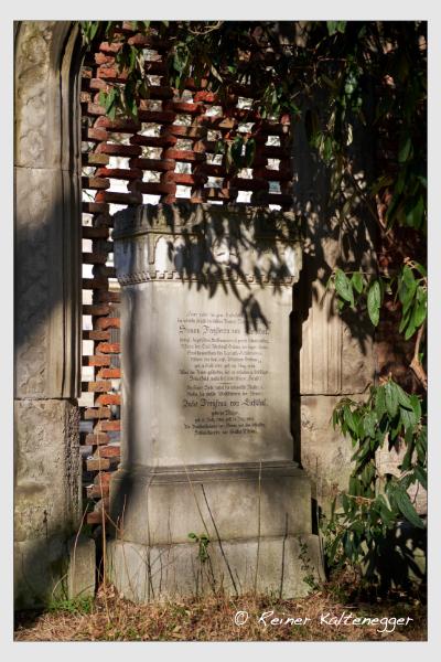 Grab der Familie Eichthal auf dem Alten Südfriedhof München (Februar 2021)