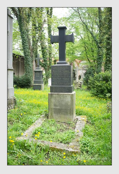 Grab der Familien Breitwieser & Stephan auf dem Alten Südfriedhof München (Mai 2013)