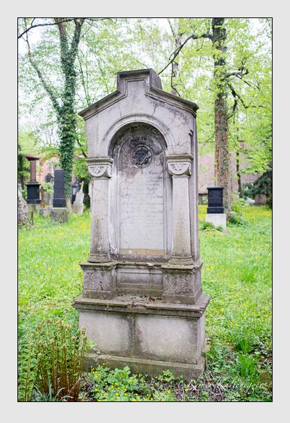 Grab der Familien Bauer & Huber & Prohaska auf dem Alten Südfriedhof München (Mai 2013)