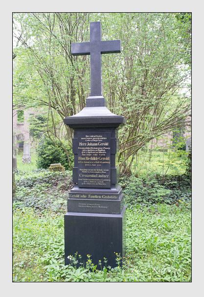 Grab der Familien Gerold & Lindner auf dem Alten Südfriedhof München (Mai 2013)