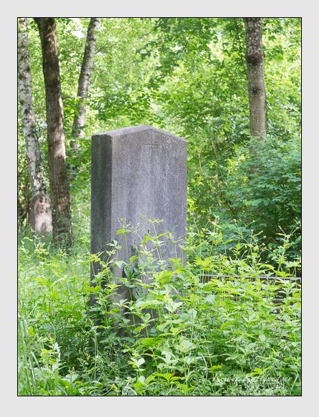 Grab der Familien Ostermaier & Kimmerle auf dem Alten Südfriedhof München (Mai 2015)