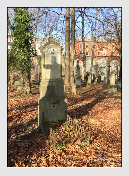 Grab der Familie Rattinger auf dem Alten Südfriedhof München (Januar 2018)