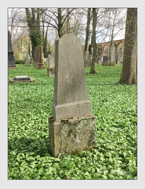 Grab der Familie Waldmann auf dem Alten Südfriedhof München (April 2018)