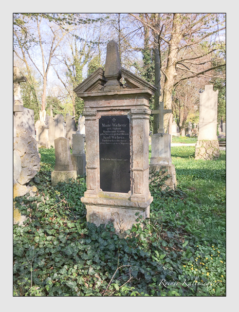 Grab der Familie Wichera auf dem Alten Südfriedhof München (April 2018)