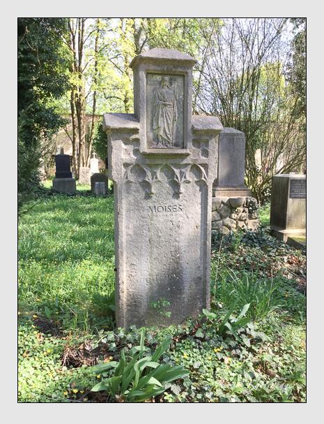 Grab der Familie Moises auf dem Alten Südfriedhof München (April 2018)