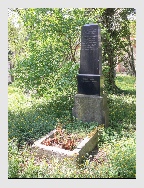 Grab der Familie Knab auf dem Alten Südfriedhof München (April 2018)