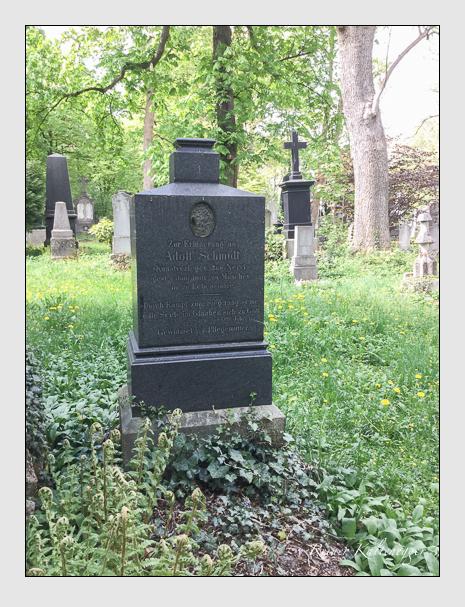 Grab der Familie Schmidt auf dem Alten Südfriedhof München (April 2018)