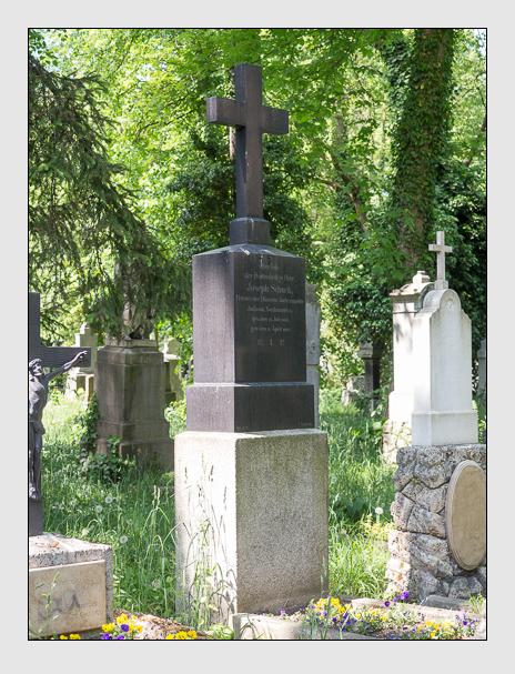 Grab der Familie Schuck auf dem Alten Südfriedhof München (Mai 2018)