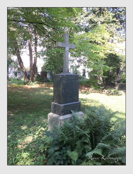Grab der Familien Nassal & Schmid & Schwarz auf dem Alten Südfriedhof München (August 2018)
