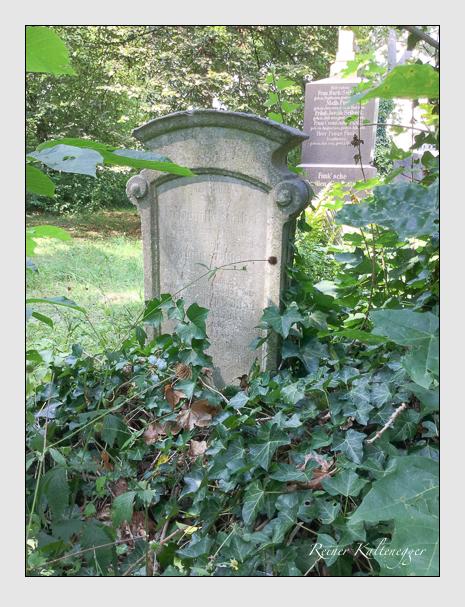 Grab der Familie Völkel auf dem Alten Südfriedhof München (August 2018)