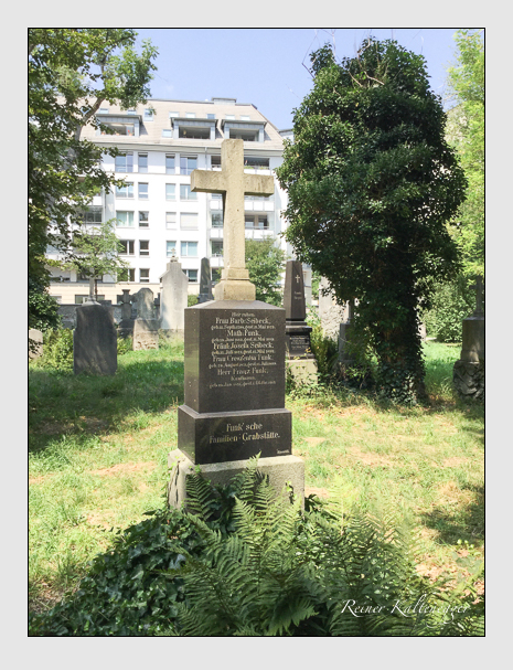 Grab der Familien Funk & Seibeck auf dem Alten Südfriedhof München (August 2018)