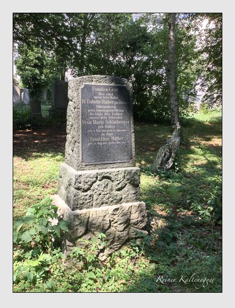 Grab der Familien Hüther & Schönberger auf dem Alten Südfriedhof München (August 2018)